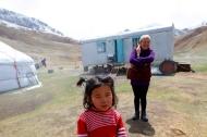 Kirghistan - Tash Rabat - A trailer on the Silk Road