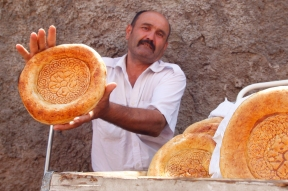 Uzbekistan - Tashkent - Bread, the cornerstone of everyone's alimentation