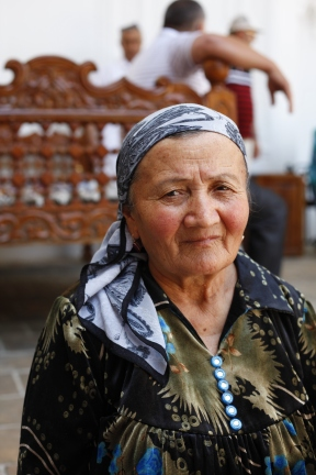Uzbekistan - Grandma chatting with her peer