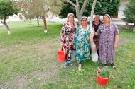 Uzbekistan - Gardening in Bukhara's neigbhorhoods